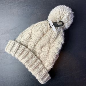 H&M DIVIDED CABLE KNIT STOCKING HAT POM CREAM OS